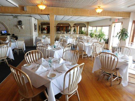 Old Tavernier Restaurant-Lounge: Dining Room