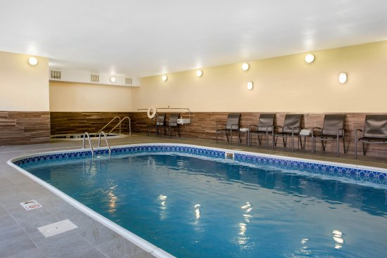 Saint Cloud, MN: Heated Indoor Pool