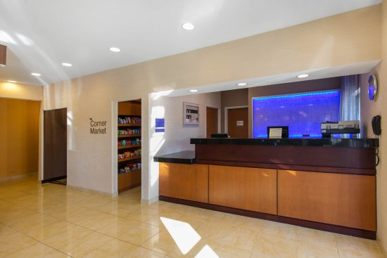 Saint Cloud, MN: Front Desk