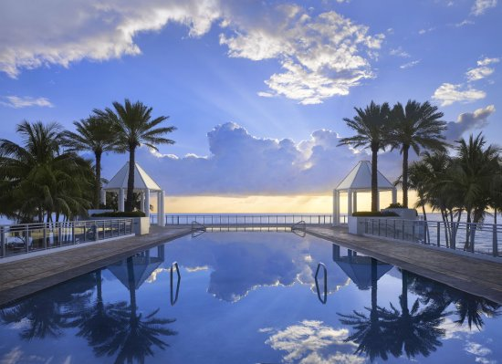 The Diplomat Beach Resort, Curio Collection by Hilton Photo