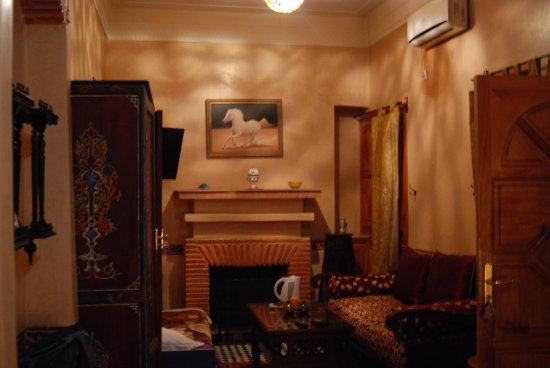 Riad Moulay: A view from the bed down to living space.