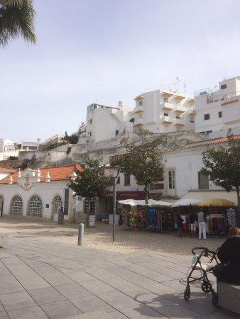 Alfagar II Aparthotel : Foto van de omgeving