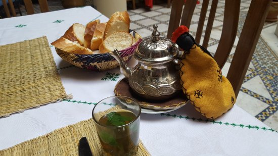 Riad Sara: Pre-breakfast mint tea on offer!!
