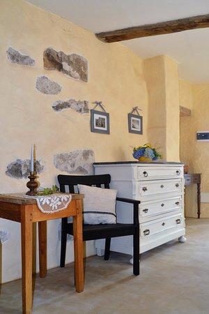 Pettinengo, إيطاليا: stanza della terra dettaglio