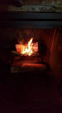 Idyllwild, Kalifornien: Cozy fire