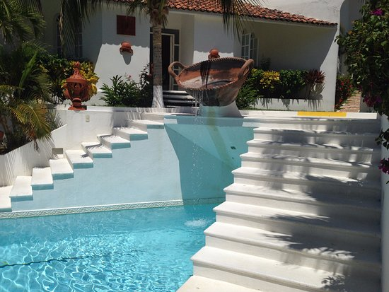 Villas Fa-Sol : Shallow but good for a dip