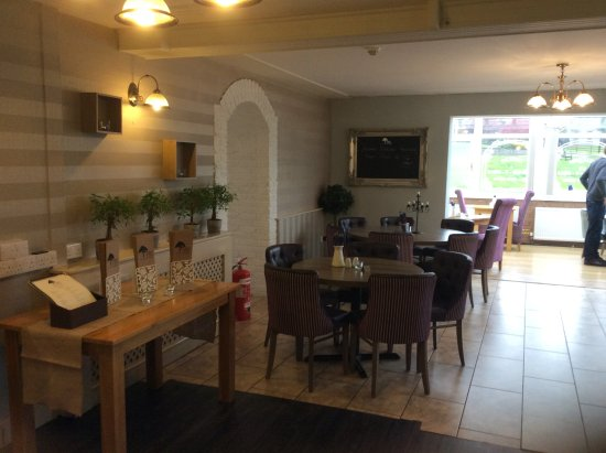 Llanedi, UK: Lounge dining