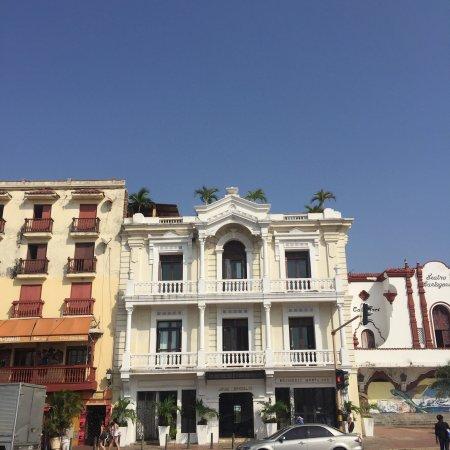 هوتل مونتيري: Hotel Monterrey