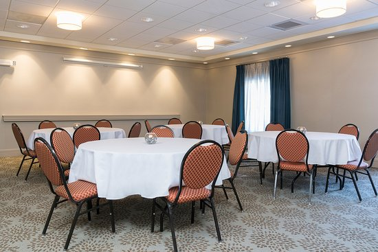 Manchester, CT: We feature 648 sq. ft. of meeting space