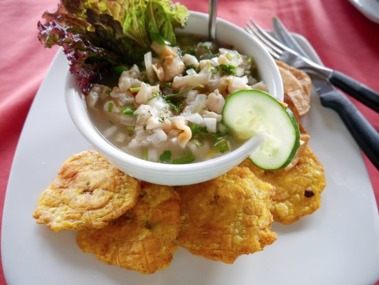 Bar & Restaurant Las Brisas : Rock scallop ceviche with smashed plantains