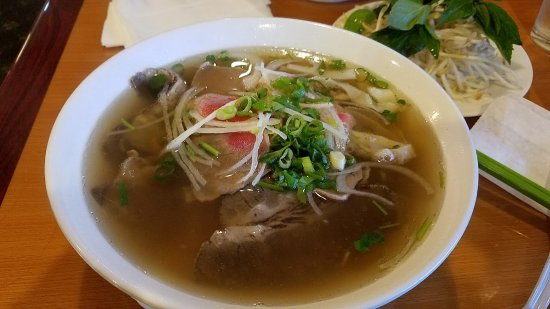 Citrus Heights, CA: Large - Pho R1 (Rare steak, well done flank, beef meatball, fat brisket, tendon and tripe)
