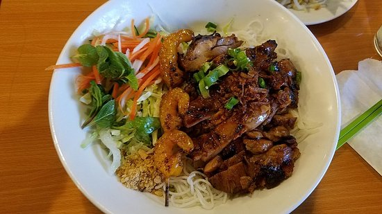 Citrus Heights, CA: Vermicelli Bowl - Grilled chicken and shrimp