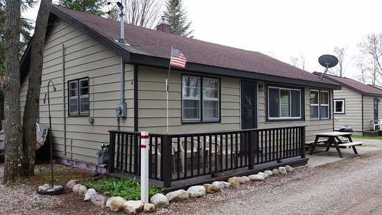Houghton Lake, MI: cabin 4