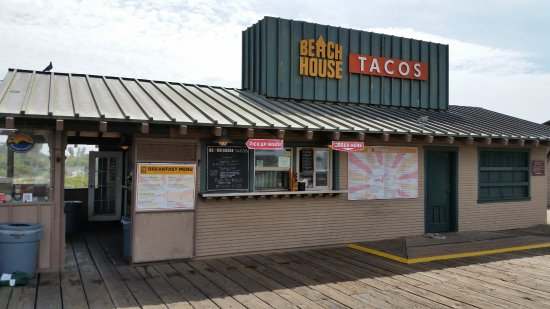 Beach House Tacos: Front of the restaurant from the Pier side