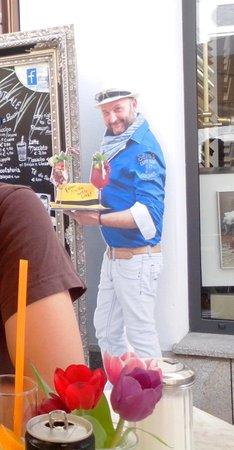 Sello's Caffe Bar Centrale: Pappfigur vom Boss
