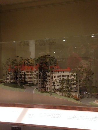 Winterthur Museum, Garden & Library: A model of the house.