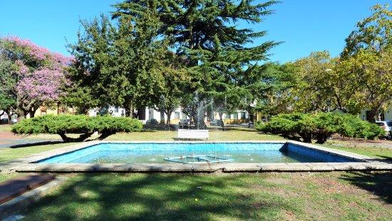 Chascomús, Argentina: Vasca con fontana
