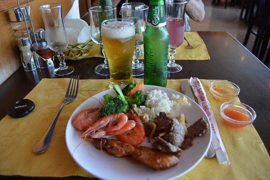 Saint-Vigor-le-Grand, Francia: Plate Number One & a Heineken