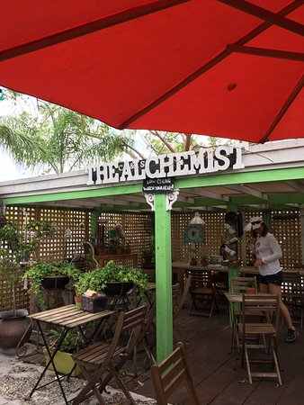 Wilton Manors, FL: Outdoor seating