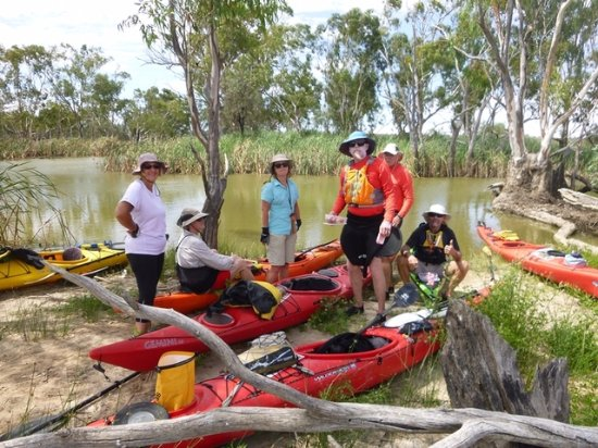 Canoe the Riverland: lunch stop