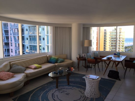 Phenomenal 11Th Floor 2 Room Apartment Suite Picture Of Royal Palm Download Free Architecture Designs Scobabritishbridgeorg