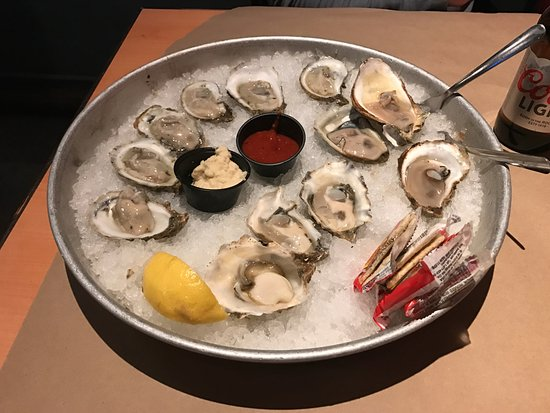 Shucks Fish House & Oyster Bar: A Dozen Oysters (Blue Points and Glacier Bays)
