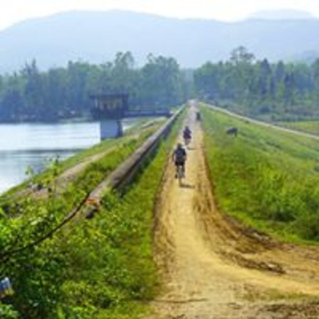 On the way to Viet An lake in the afternoon - so peaceful!!!