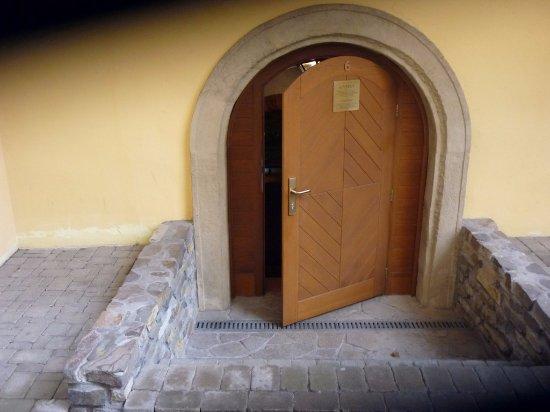 Pezinok, Slovakia: Vstup do Tajomnej pivnice