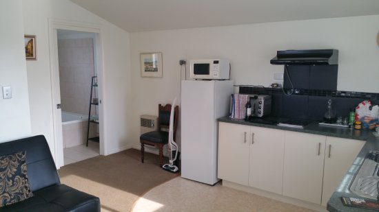 Trevallyn House B & B: TA_IMG_20170407_151557_large.jpg