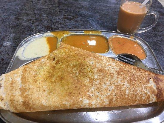 Restoran Muthu: マサラドーサとミルクティー