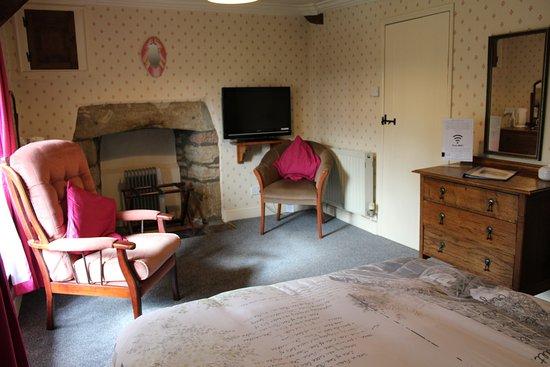 Yallands Farmhouse: The Chestnut Room