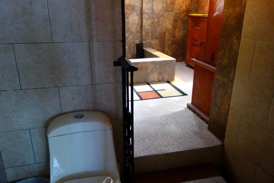 Casa De Pita: Modernes Bad in altem Haus