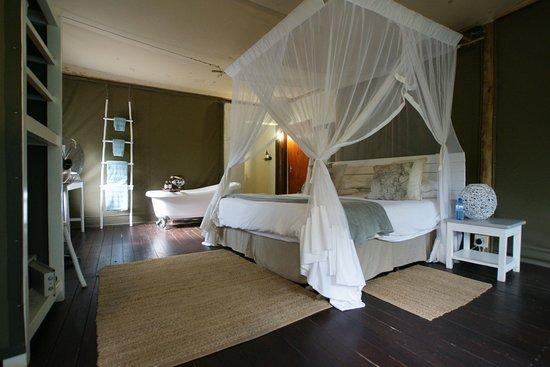 Ngama Tented Safari Lodge: interieur
