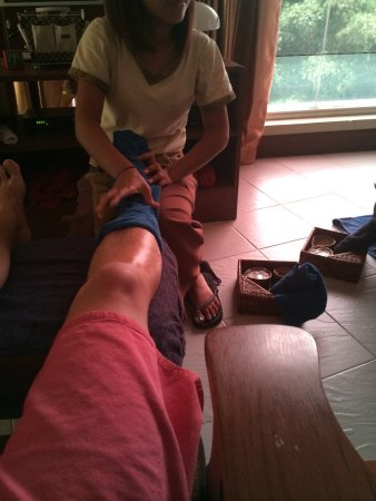 Inya Day Spa: One of my foot reflex sessions