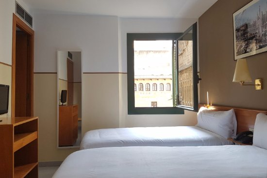 El jardi updated 2017 hotel reviews price comparison for Hotel el jardi barcelona