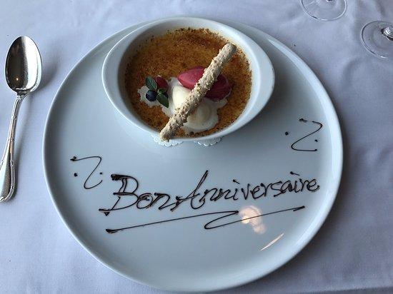 Le Ciel : お祝いのメッセージを入れてくれたデザートプレート