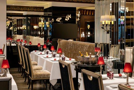 Hotel Barriere Le Majestic Cannes: Salle à manger du Fouquet's Cannes
