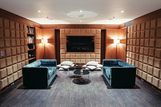 The Emblem Hotel: The Salon in The Maharal Club