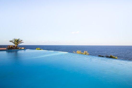 Calampiso Sea Country Resort