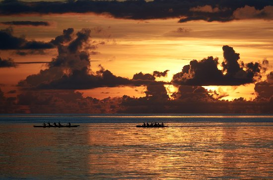 Rangiroa, Polynésie française : Des couchers de soleil à tomber par terre :-)
