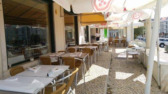 Restaurante Cervejaria O Ze Carteiro: ESPLANADA