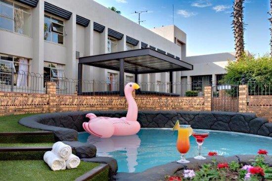 Fortis hotel evander bewertungen fotos preisvergleich for Swimming pool preisvergleich