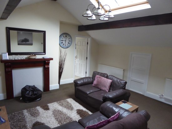 Coed Y Celyn Hall Lounge Area Apartment 7
