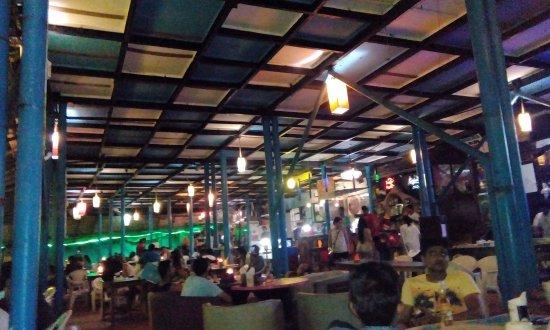 Анджуна, Индия: Curlies in Night