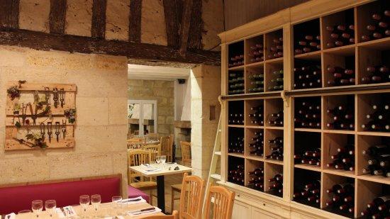 Petit-Palais-Et-Cornemps, France: cave vin