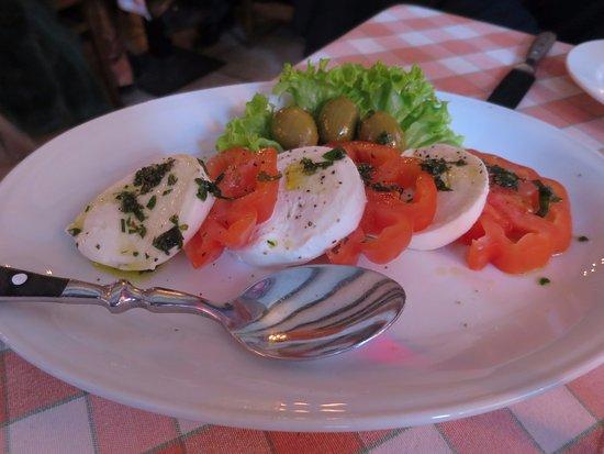Italiano : Starter: tomato and mozzarella
