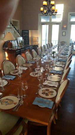 Delphi Club: Dinner table