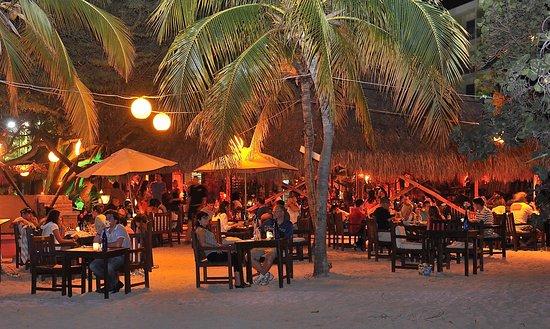 Moomba Beach Bar Restaurant Palm Eagle Reviews Phone Number Photos Tripadvisor
