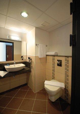 Sofabed Hotel: Bathroom // Oh La La