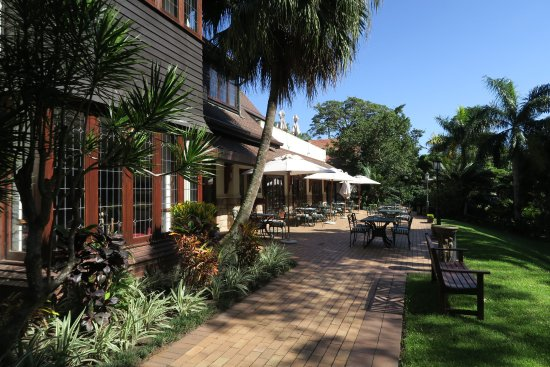 Pennington, South Africa: View to outdoor seating for restaurant
